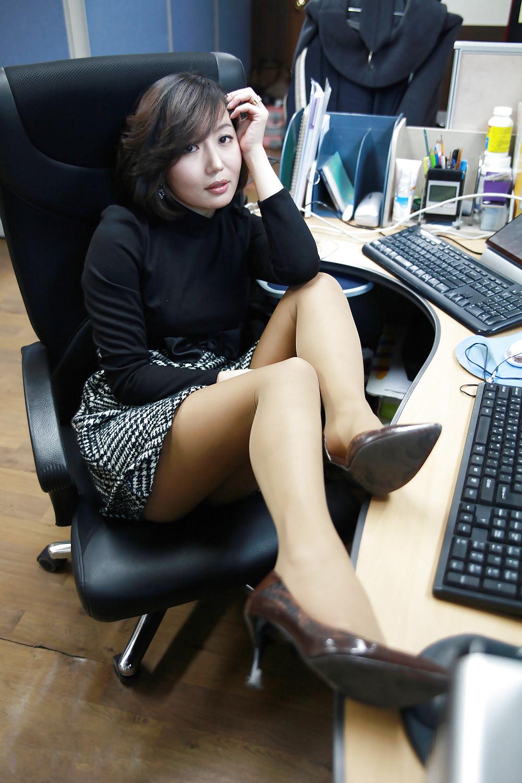 Asian Galleries: Korean office girl
